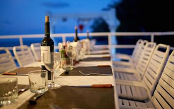 dining-outdoorw857h570crwidth857crheight