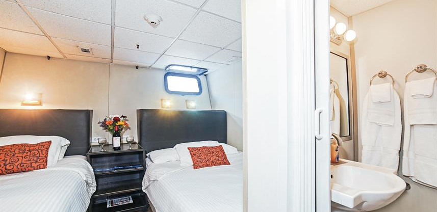 belle-amie-stateroom-001w857h570crwidth8