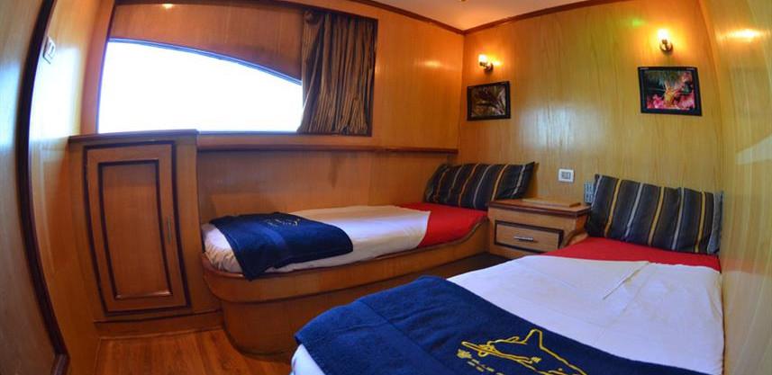 cabinsw857h570crwidth857crheight570.jpg