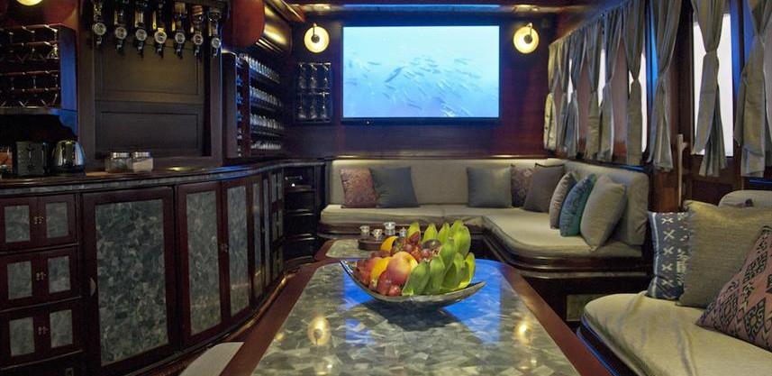 25_lounge_screenw857h570crwidth857crheig