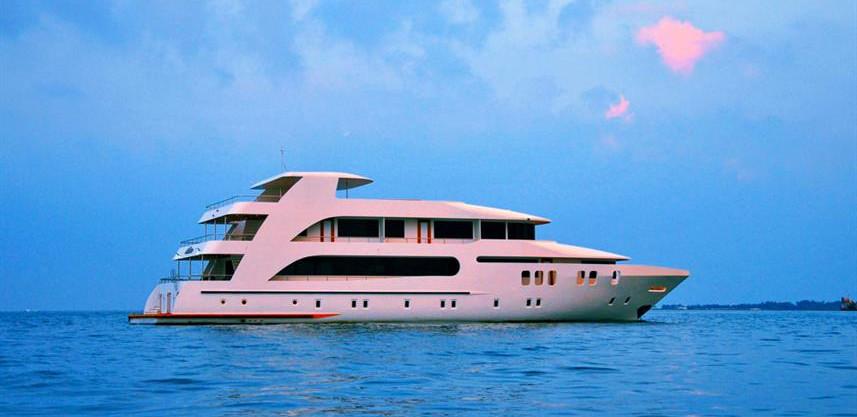 adora-liveaboard-maldives-2w857h570crwid