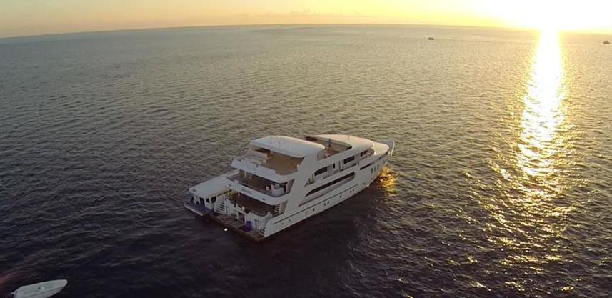 adora-liveaboard-maldives-6w857h570crwid
