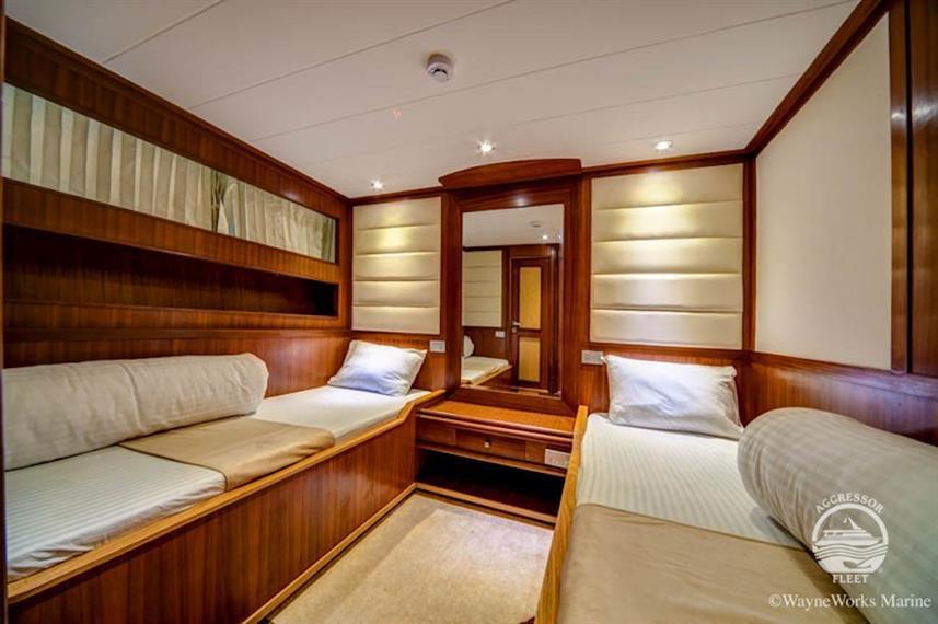 yacht-rsaii1w857h570crwidth857crheight57
