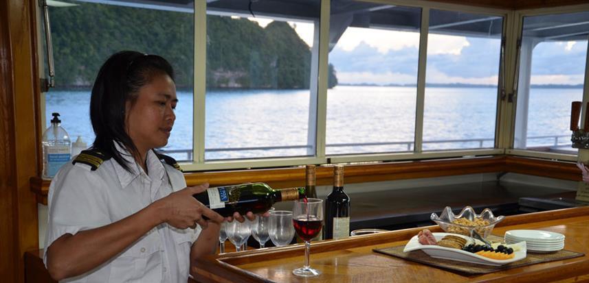 rockisland-yacht7w857h570crwidth857crhei
