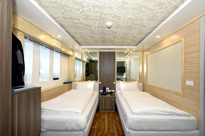 twin-cabinw857h570crwidth857crheight570.