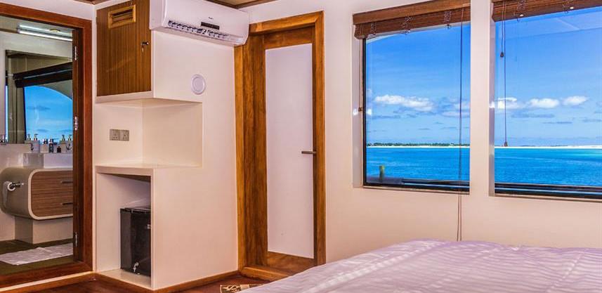 adora-liveaboard-maldives-ocean-view-sui