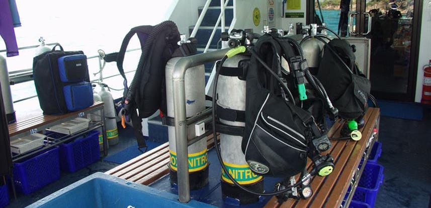 spirit-of-niugini-liveaboard-dive-deckw8
