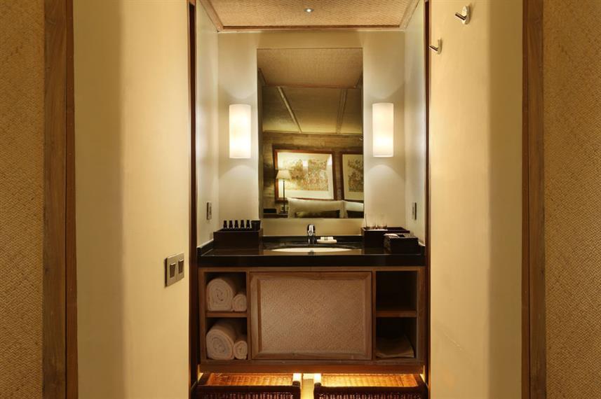 alila-purnama-accommodation-master-suite