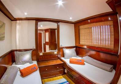 twin-cabin-3w857h570crwidth857crheight57