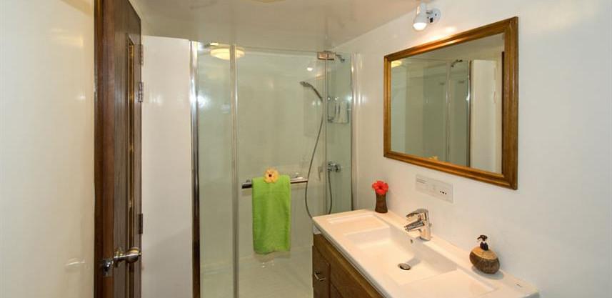 standardbathroom4w857h570crwidth857crhei