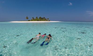 conte-max-liveaboard-maldives-snorkellin