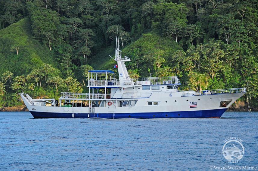 oai-yacht16w857h570crwidth857crheight570