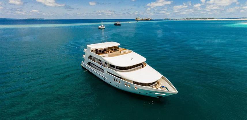 adora-liveaboard-maldives-11w857h570crwi