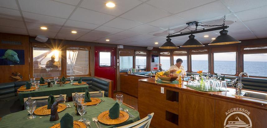 diningroomw857h570crwidth857crheight570.