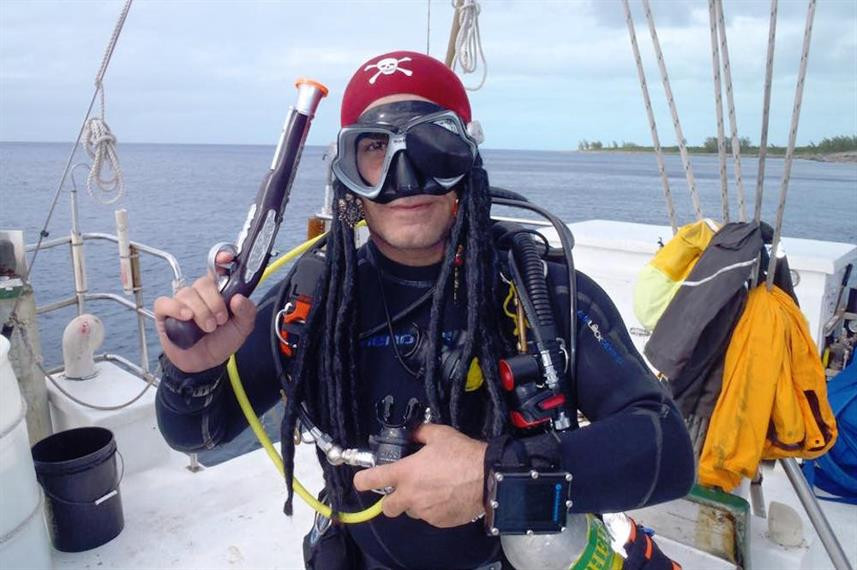 pirate-divers-andy-imanpourw857h570crwid