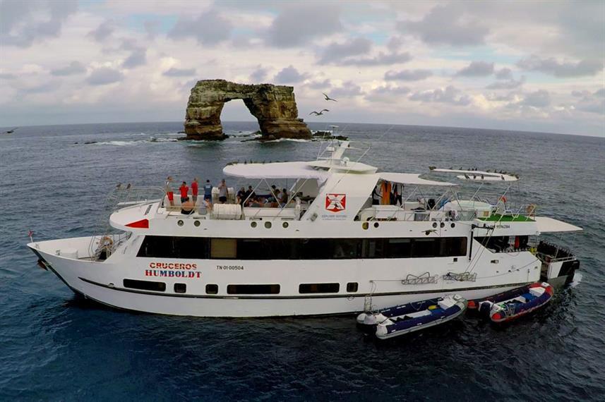 vessel-port-darwins-arch-close-humboldt-
