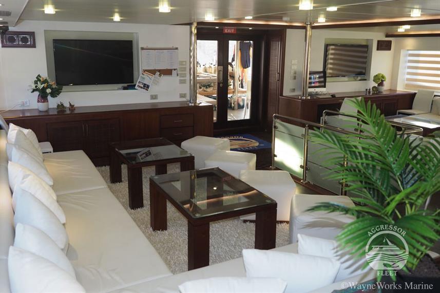 oman-yacht16w857h570crwidth857crheight57