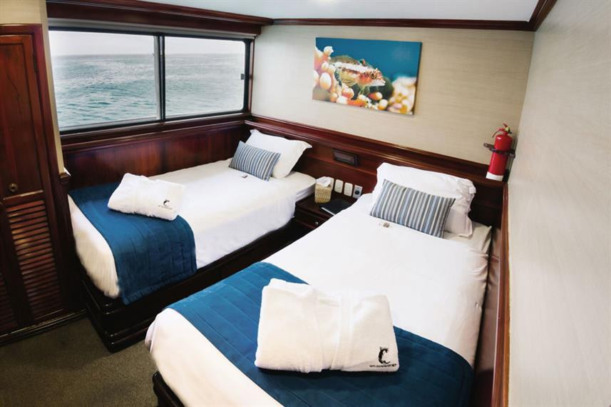 galapagos-sky-liveaboard-master-cabin-tw