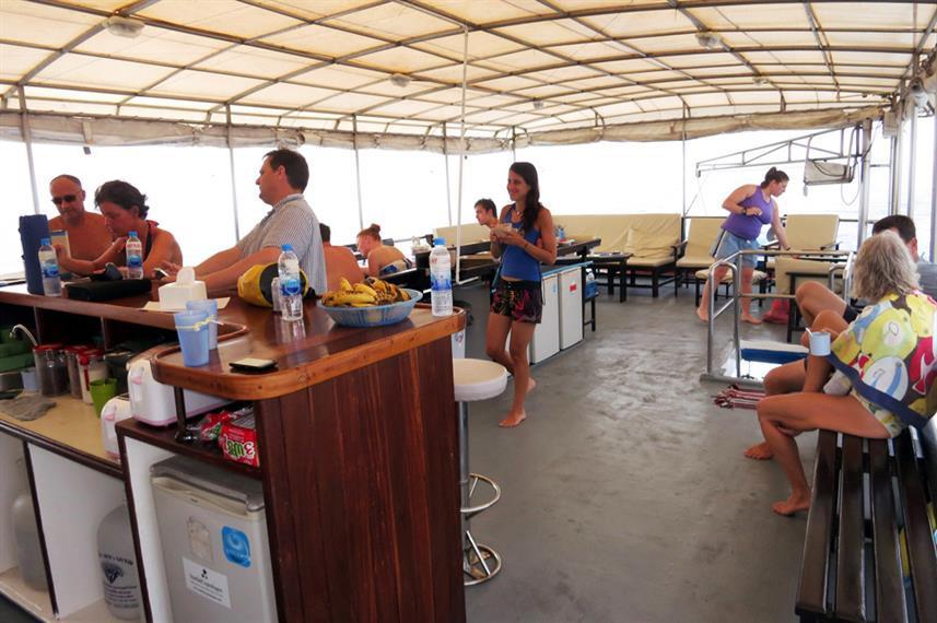 upper-deck-communal-areaw857h570crwidth8
