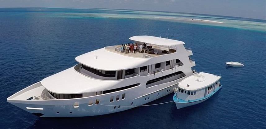 adora-liveaboard-maldives-7w857h570crwid