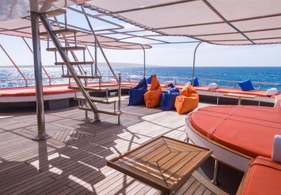 outdoor-lounge-3w857h570crwidth857crheig