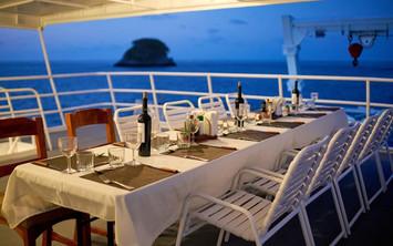 dining-outdoor-2w857h570crwidth857crheig