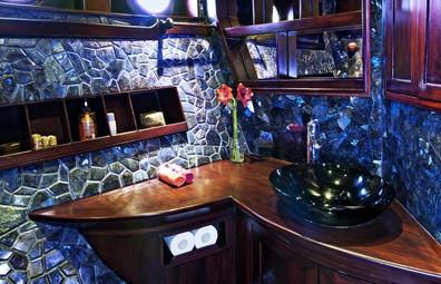 bathroom_room_c1w857h570crwidth857crheig