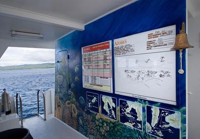 atlantis_azores_dive_deck_briefing_mural