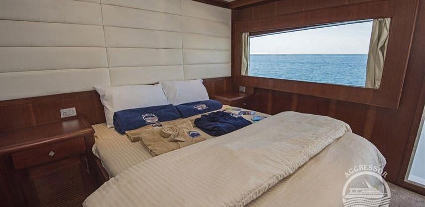 maldives-yacht14w857h570crwidth857crheig