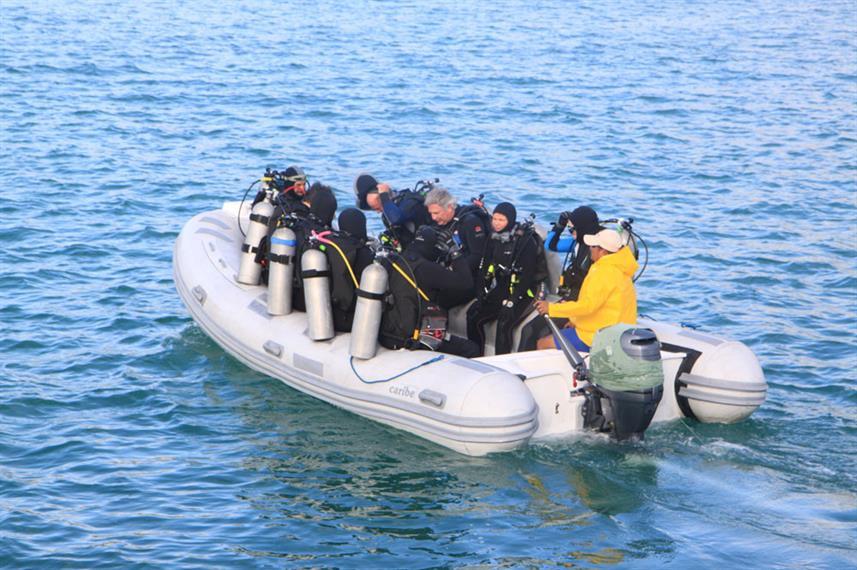 dinghy-divers-humboldt-explorer-galapago