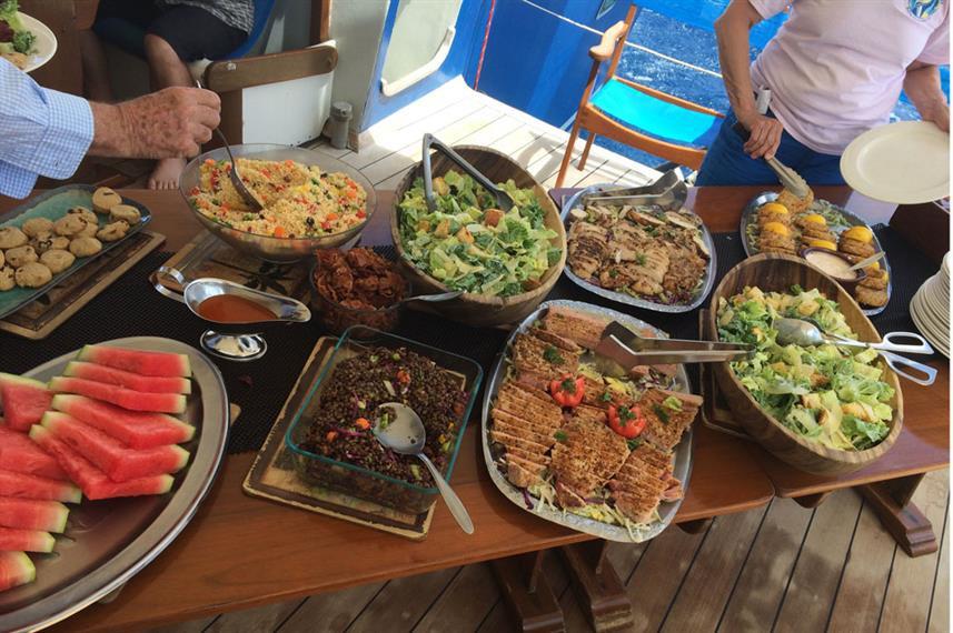 caesar-salad-lunch-vhdw857h570crwidth857