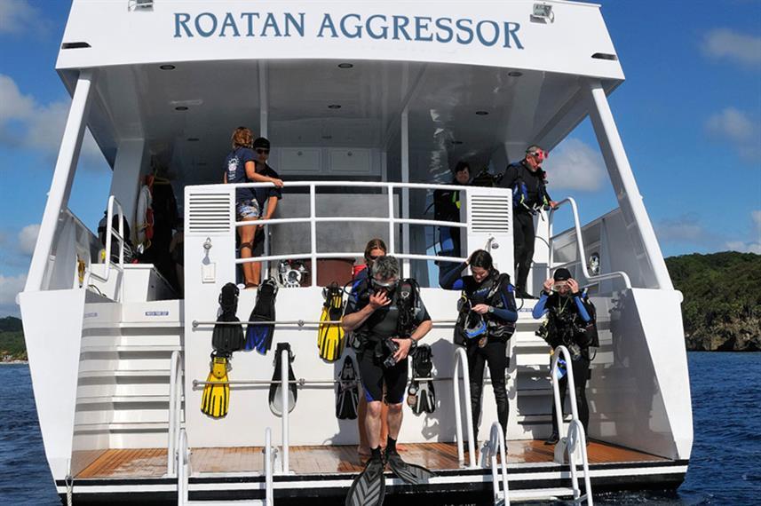 roa-yacht5w857h570crwidth857crheight570.