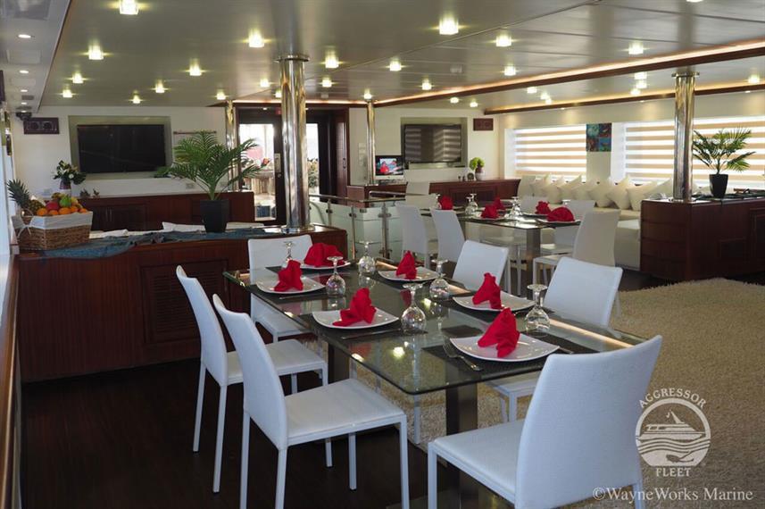 oman-yacht13w857h570crwidth857crheight57