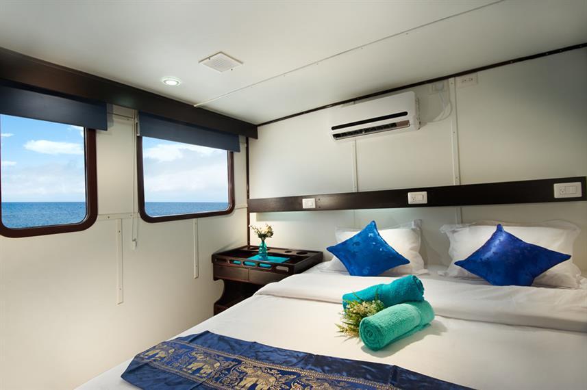 cabin_6_upper_deck_flexible_hrw857h570cr