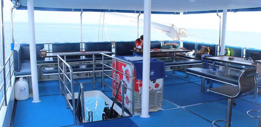 dining-deck-6w857h570crwidth857crheight5