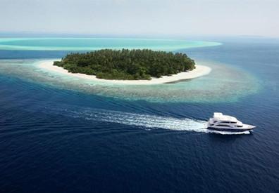 Emperor-Voyager-Maldivesw857h570crwidth8