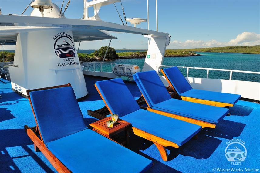 galapagos-yacht28w857h570crwidth857crhei