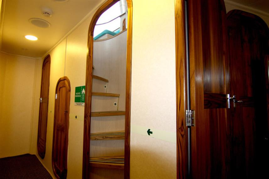 NORTADA-hall-way-800pxw857h570crwidth857