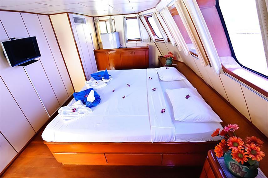master-cabin1w857h570crwidth857crheight5