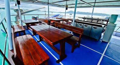 outdoor-diningw857h570crwidth857crheight