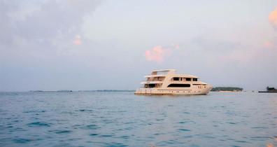 adora-liveaboard-maldives-3w857h570crwid