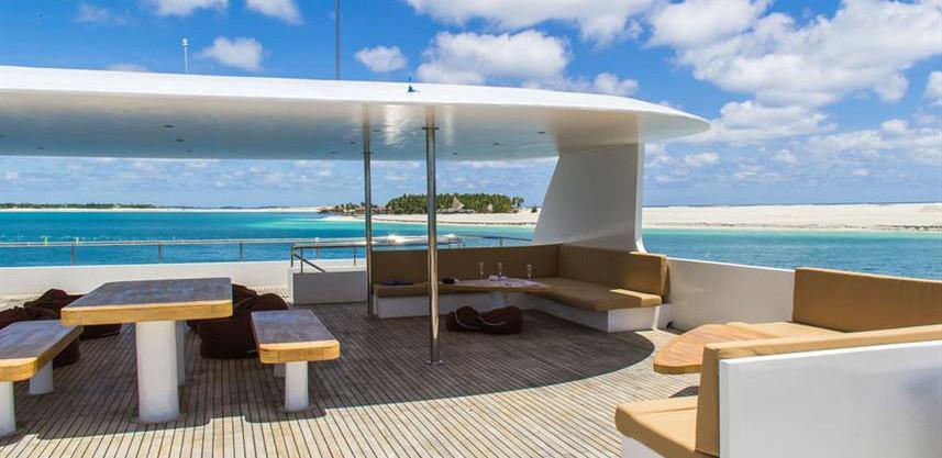adora-liveaboard-maldives-sundeck4w857h5