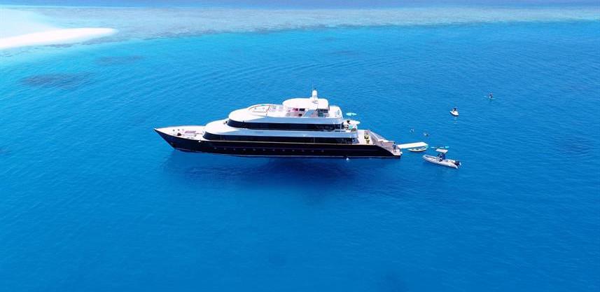 maldives-super-yacht-azalea-cruise-32w85
