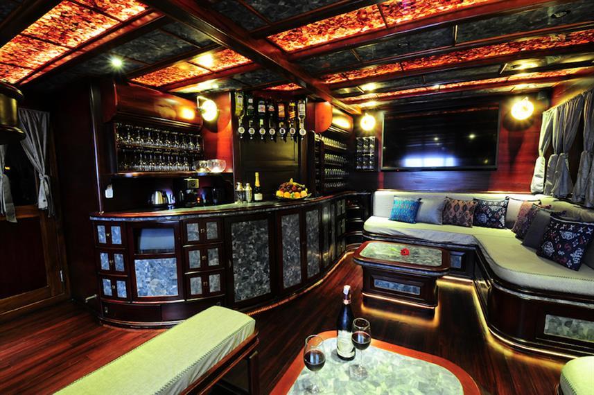 10_Lounge_barw857h570crwidth857crheight5