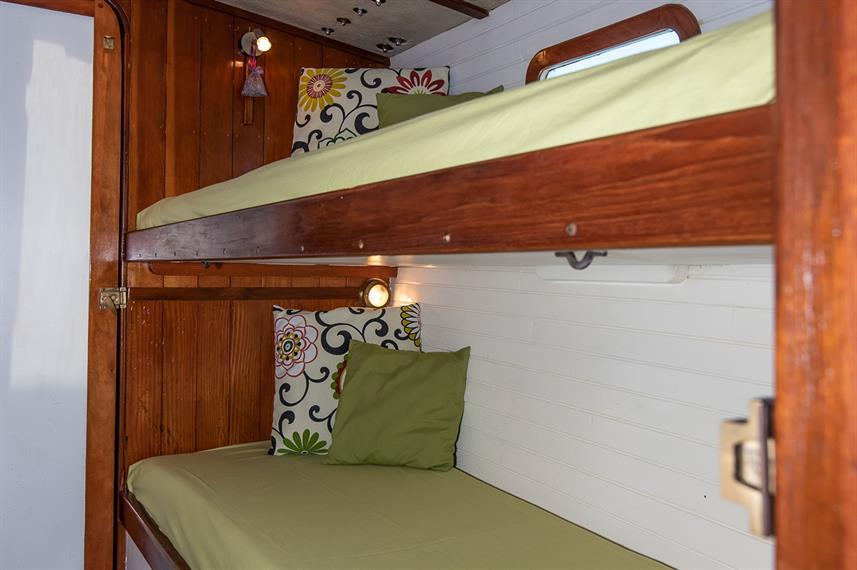 passageway-bunk-cabin-editedw857h570crwi