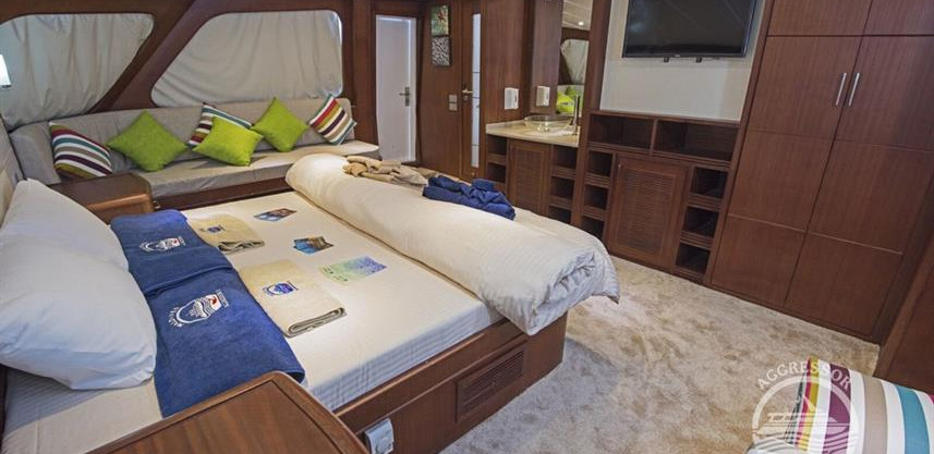 maldives-yacht17w857h570crwidth857crheig