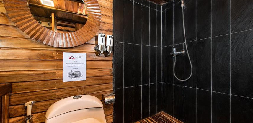 master-cabin-bathroomw857h570crwidth857c