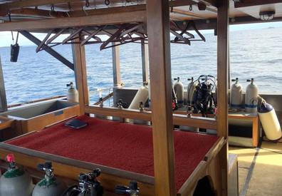 camera-dive-deckw857h570crwidth857crheig