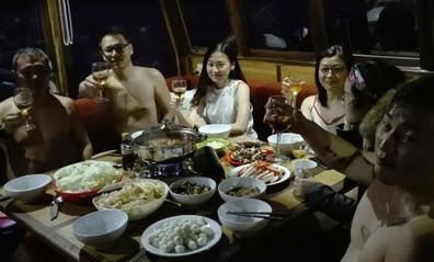 food-on-board-3w857h570crwidth857crheigh