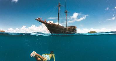 snorkeling-split-shot-4w857h570crwidth85